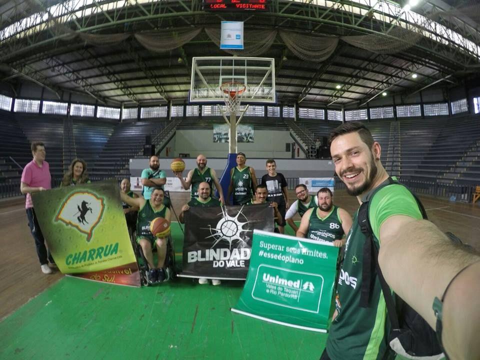 Equipe de basquete sobre rodas Blindados do Vale recebe apoio da Charrua