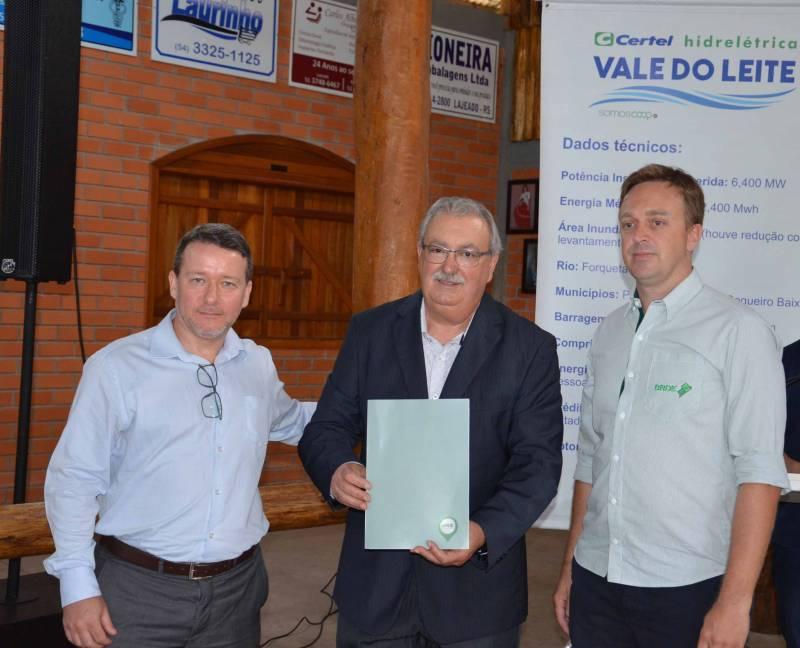 Firmado financiamento com o BRDE
