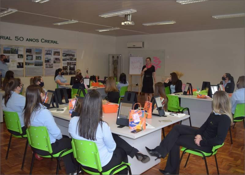 Atividade foi realizada pela gerente da Natura, Elenice Franke