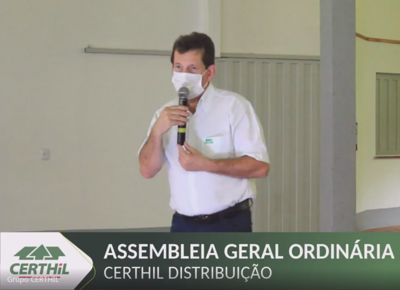 Presidente da Certhil - Celso Benedetti coordena os trabalhos da assembleia
