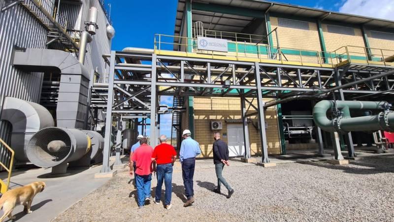 Prefeito de São Sepé visita a usina de biomassa