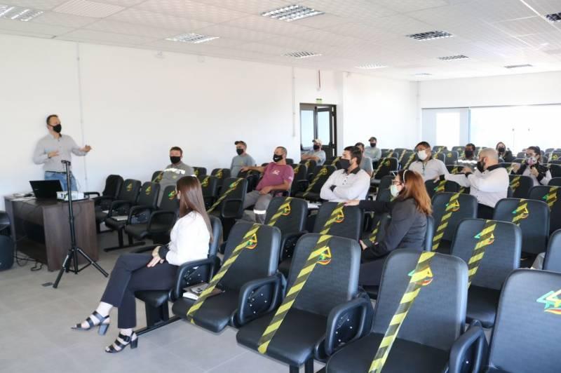 Assessores da Coopernorte recebem orientações sobre ISO 9001