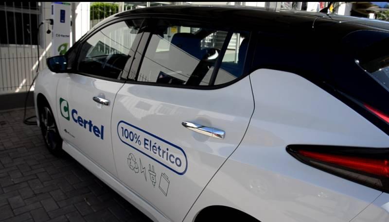 Primeiro carro 100% elétrico da Certel