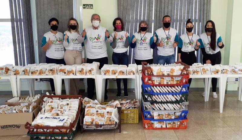 Ação comercializou 2.146 bandejas de doces e salgados