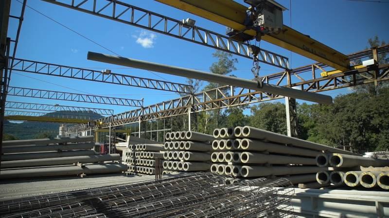 Certel indústria de postes e de estruturas especiais, com certificação ISO 9001